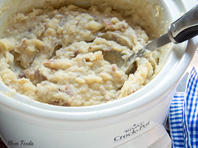making mashed potatoes in a slow cooker.