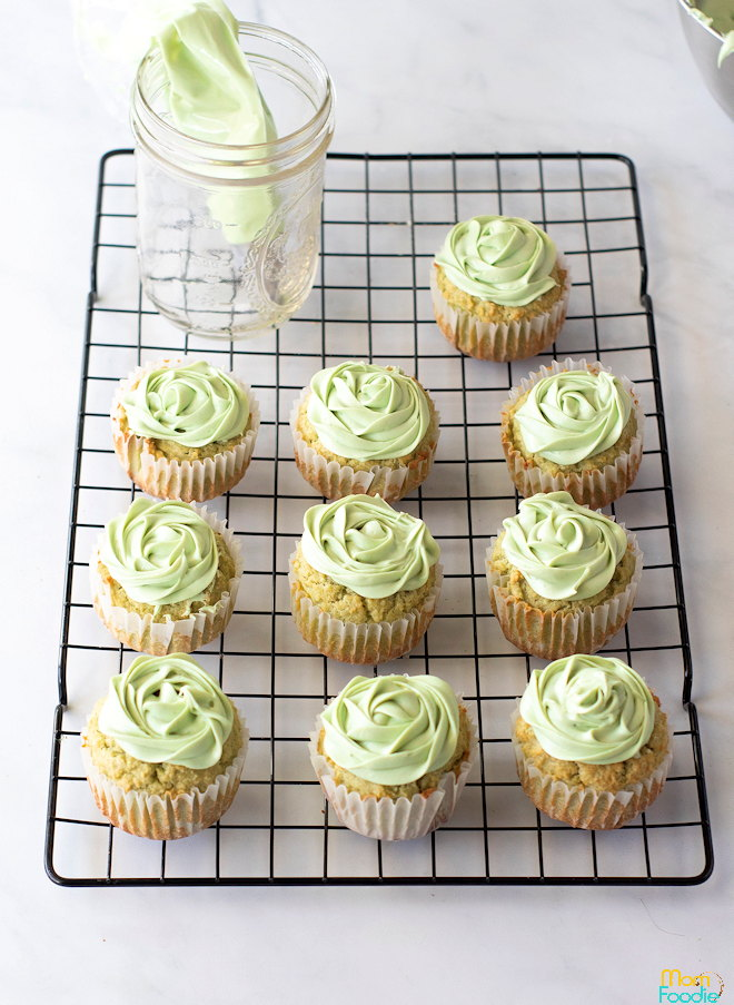 matcha keto cupcakes with frosting