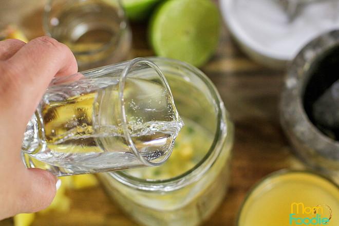 rum pineapple mojito