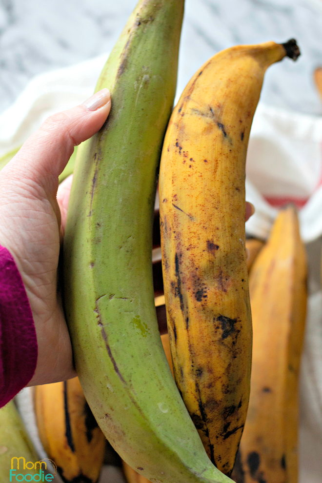 what does a ripe plantain look like